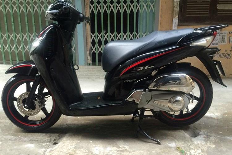"""shopshsaigon.com 1012018102 - Một Xe Máy Honda SH Đời Cũ Đổi Được Hai """"Xế Hộp""""?"""