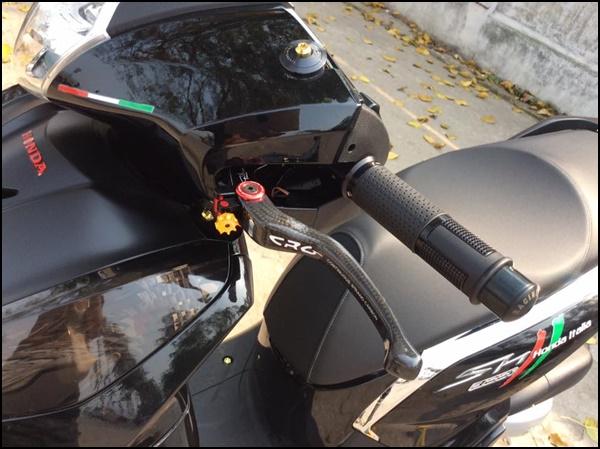 SH 300i Độ Chất Chơi Với Toàn Hàng Hiệu Đắt Đỏ-shopshsaigon.com-121201826
