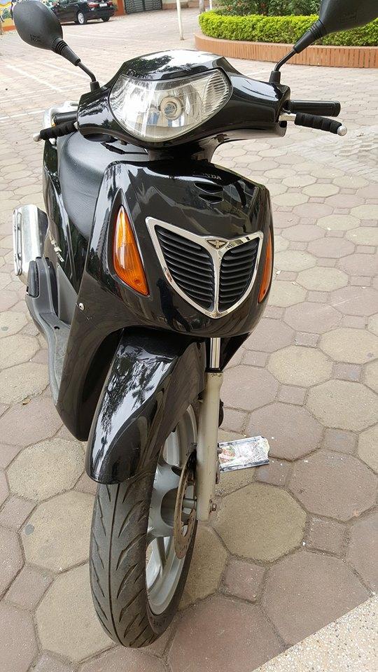 Chiêm Ngưỡng Vẻ Ngoài Long Lanh Của Chiếc Honda SH Đầu Tiên Tại Việt Nam-shopshsaigon.com-121201884