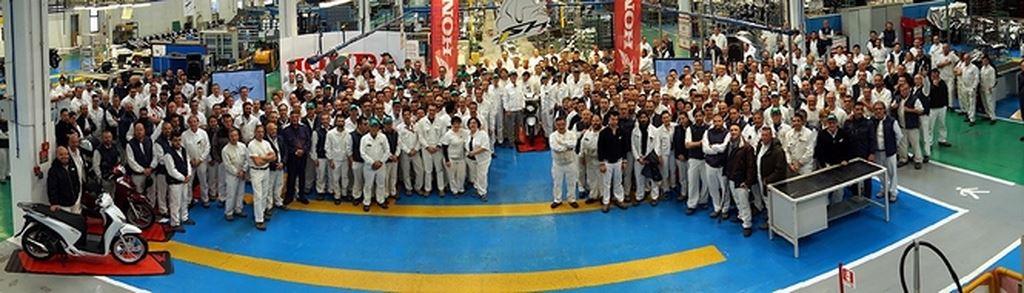 Honda Chính Thức Cán Mốc 1 Triệu Xe SH Tại Ý-shopshsaigon.com-291201853