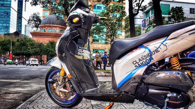 Biker Sài Thành Chi 200 Triệu Đồng Lên Đời Honda SH 150i-shopshsaigon.com-291201894