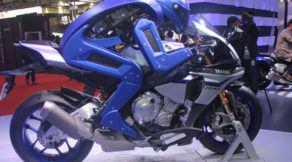 shopshsaigon.com-Công Nghệ Motobot - Robot Tự Lái Xe Máy Cực Kì Ấn Tượng Của Yamaha-2952018-75