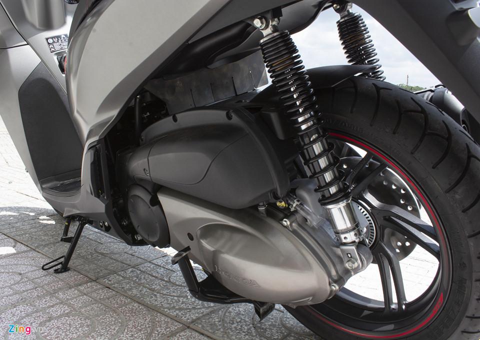 Honda SH 300i 2019 ve VN sau 2 tuan ra mat, gia 270-300 trieu hinh anh 9