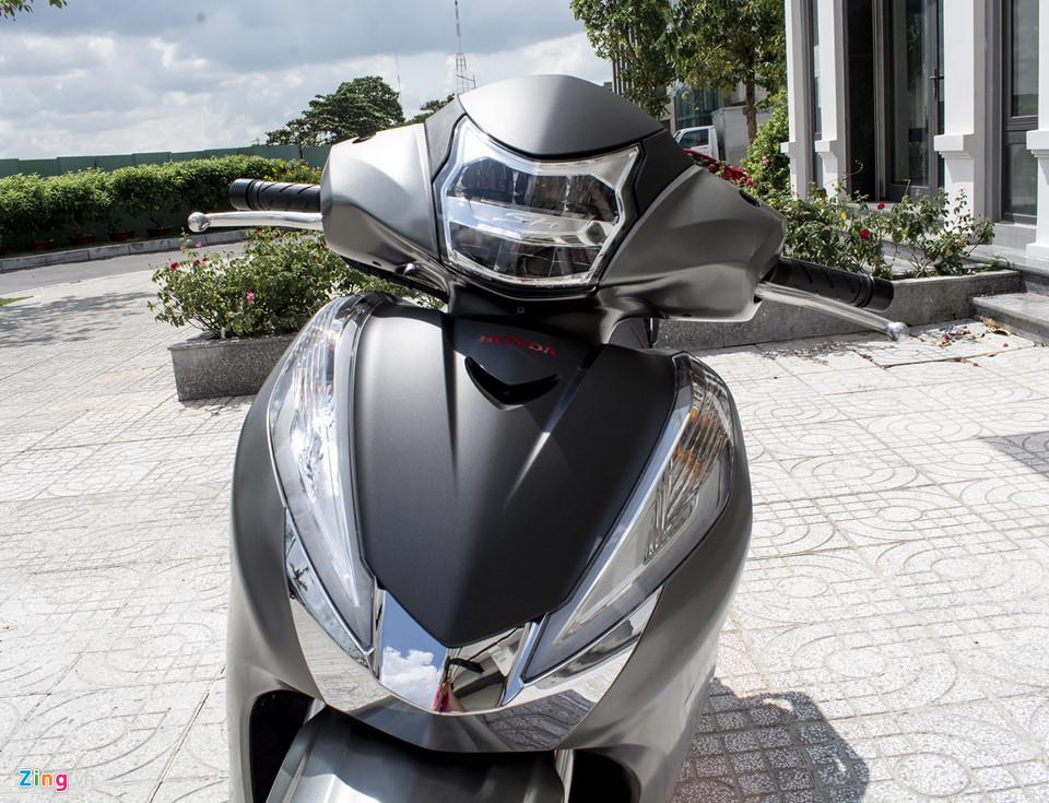 Honda SH 300i 2019 ve VN sau 2 tuan ra mat, gia 270-300 trieu hinh anh 5