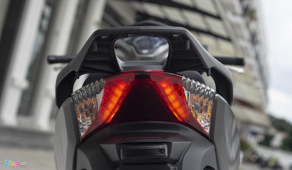 Honda SH 300i 2019 ve VN sau 2 tuan ra mat, gia 270-300 trieu hinh anh 8